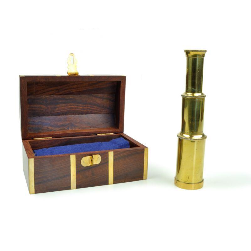 Monóculo com caixa de madeira