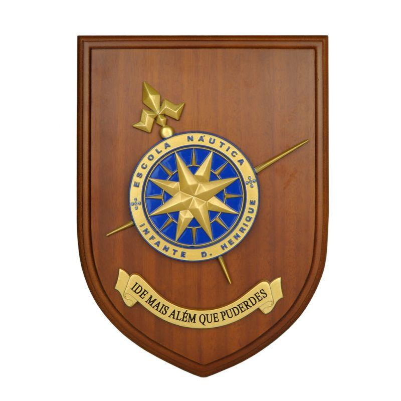 Cresta da Escola Náutica Infante D. Henrique